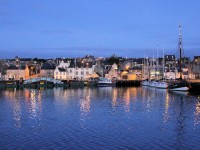 S076_Lerwick_at_night